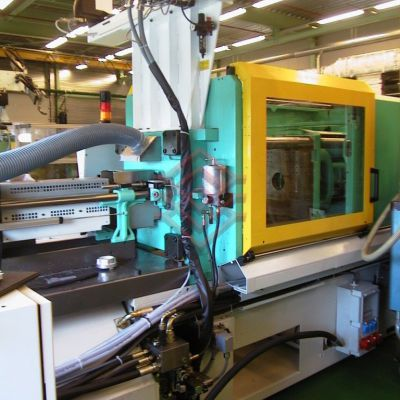 BU-30 on injection moulding machine